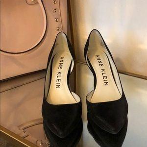 Anne Klein black heels